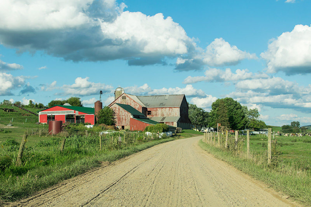 Red-Country-Barn