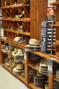 amish-hats-at-store