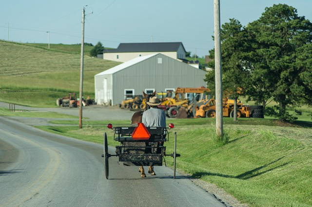 Amish-Horse-and-Cart