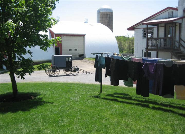 Laundry buggy barn and craft shop