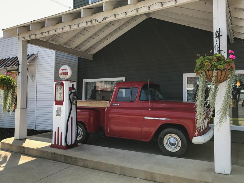 Retro-Gas-Station
