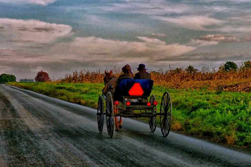 10-Ways-to-Adopt-an-Amish-Lifestyle