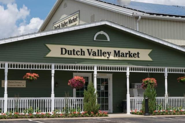 Dutch-Valley-Market-2